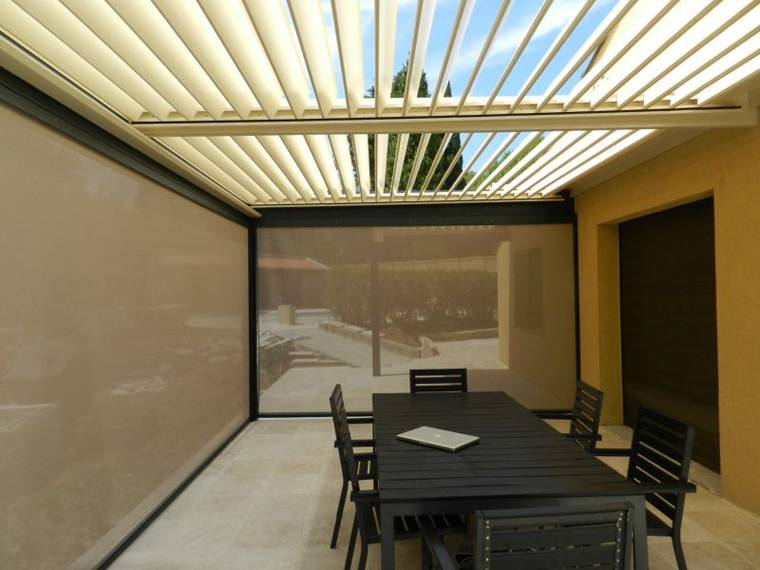 pergola bioclimatique avec rideau blagnac installation de pergola en alu sur mesure toulouse. Black Bedroom Furniture Sets. Home Design Ideas