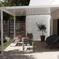 pergola bioclimatique en kit sur mesure poser soit m me dans toute la france installation de. Black Bedroom Furniture Sets. Home Design Ideas